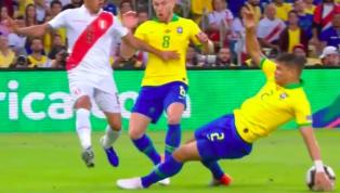 Phút 40 trận chung kết Copa America, Peru bất ngờ có bàn gỡ hòa 1-1 sau quả penalty do Thiago Silva để bóng chạm tay trong vòng cấm của tuyển Brazil. Trọng...