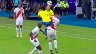 Người hùng với một pha kiến tạo và một bàn thắng cho tuyển Braziltrong trận chung kết Copa America với Peru đã nhận thẻ đỏ rời sân ở phút 75 sau pha bóng cố...