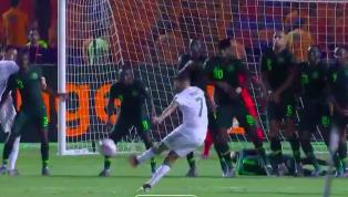 Ngôi sao của Manchester City Riyad Mahrez mới đây đã ghi một siêu phẩm sút phạt mãn nhãn ở giây cuối cùng trận bán kết giải vô địch Châu Phi AFCON giúp...