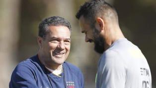 A delegação doVasco da Gamajá está em Brasília para a disputa do clássico contra o Flamengo, no próximo sábado, pela 15ªrodada do Campeonato Brasileiro....
