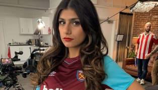 Ce n'est plus une surprise pour les amateurs de foot (ou de films pour adultes), Mia Khalifa, l'ex-star du porno, supporte West Ham. Rival...