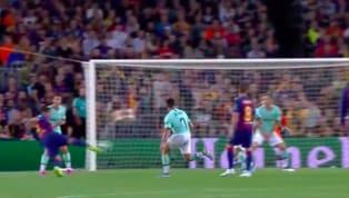 Phút 58 hiệp hai trận đấu giữa Barcelona và Inter Milan, Luis Suarez đã ghi một siêu phẩm đẹp mắt gỡ hòa 1-1 sau pha kiến tạo của Arturo Vidal.  VIDEO...