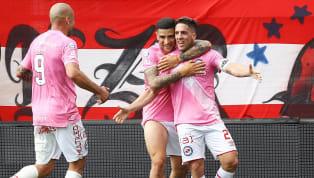 El equipo que dirigía Carlos Bianchi salió a jugar la última fecha del Inicial 2013 ante Gimnasia de La Plata con una camiseta rosa. El partido terminó 1 a 1...