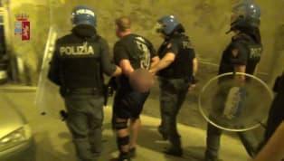 Serata di violenza nel centro storico di Cagliari al termine dell'amichevole tra rossoblu e Pogon di ieria causadi un gruppo di tifosi polacchi che...