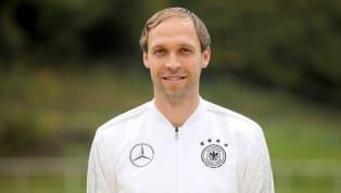 Ex-Schalke-Coach Domenico Tedesco steht unmittelbar vor der Unterschrift bei Spartak Moskau. Medienberichten zufolge reiste der 34-jährige Übungsleiter am...