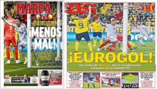 """El diario catalán realiza un juego de palabras entre Eurocopa y Roja para crear """"Euroroja"""", palabra con la que abre acompañada de una foto del festejo de toda..."""
