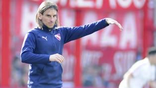 """""""Vamos a esperar a jugarlo"""", dijo el presidente Hugo Moyano, cuando lo consultaron por la continuidad del entrenador. El viernes, en la Copa Argentina, es la..."""