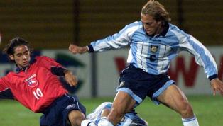 El actual entrenador de Lanús tenía una prometedora carrera como jugador, pero las lesiones lo obligaron a dejar el fútbol. Zubeldía debutó en el Granate en...