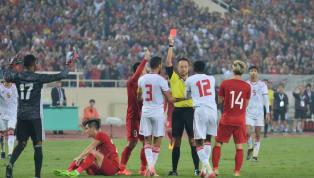 Trọng tài FIFA Đinh Văn Dũng khẳng định thẻ đỏ của hậu vệ UAE trong trận gặp tuyển Việt Nam là hoàn toàn chính xác. VIDEO: Tiến Linh ghi siêu phẩm sút xa 25m...