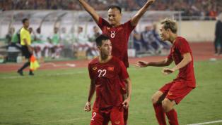 CĐV Việt Nam đã đồng loạt gọi tên Nguyễn Tuấn Anh sau trận thắng UAE 1-0, màn trình diễn đẳng cấp của tiền vệ thuộc biên chế HAGL khiến tất cả nức lòng. Tuấn...