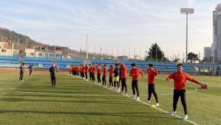 Thay vì chọn nơi có thời tiết ấm áp để tập luyện, U23 Việt Nam gây chú ý khi bất ngờ chọn Hàn Quốc làm điểm đến trong đợt tập huấn lần này. Được biết, Hàn...