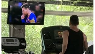 ​Barcelona captain ​Lionel Messi was spotted training in a routine public gym after he returned back in his hometown of Rosario, Argentina. The Argentine went...