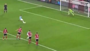 Thủ thành Henderson của Sheffield United đã cản phá quả penalty của Gabriel Jesus bên phía Manchester City trong tư thế phạm luật. Man City được hưởng quả...