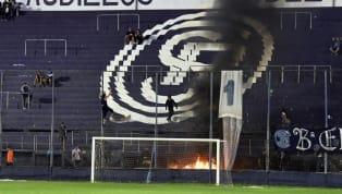La violencia en el fútbol argentino es un problema que parece no tener final. Pasan los años y los problemas en las tribunas continuan. Insólitas muertes por...