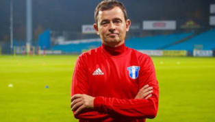 Kerala Blasters have reportedly held conversations with former Mohun Bagan coachKibu Vicuna and are set to appoint him as their new head coach next season....