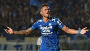 Striker Persib Bandung Wander Luiz positif virus corona dan dikonfirmasi oleh sang pemain. Akibatnya penyerang kelahiran 17 Februari 1992 itu tidak jadi...
