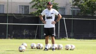 Foi com Antônio Lopes de técnico que oVasco da Gamaconquistou alguns de seus títulos mais importantes - entre eles, a Libertadores da América de 1998....