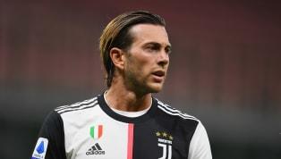 La Juventus vuole Milik per l'attacco della prossima stagione, ma la contropartita individuata per lo scambio con il Napoli, Bernardeschi, si oppone per due...