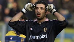 Gianluigi Buffon, 1995'te başladığı kariyerine bugün de devam ediyor. Büyük başarılar elde eden İtalyan eldiven, buna rağmen Şampiyonlar Ligi kupasını henüz...