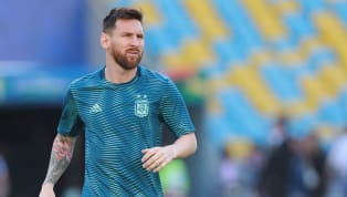 Aos 32 anos, Lionel Messi só vestiu uma única camisa ao longo de sua carreira profissional: a do Barcelona. Na Catalunha, dirigentes e torcedores acreditam...