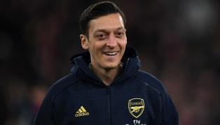 Fotomaç'ta yer alan habere göre; İngiltere Premier Lig ekiplerinden Arsenal'de istenmeyen kişi ilan edilen Mesut Özil, Türkiye'ye geliyor. Londra ekibinde...