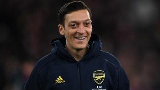 Transferde son dakika... İngiliz ekibi Arsenal'in FA Cup Finali'nde kadroya almadığı Mesut Özil ile ilgili sürpriz gelişmeler yaşanıyor. İngiliz basını,...