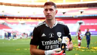 Aston Villa schnappt sich Emiliano Martínez von Arsenal und macht den 28-Jährigen zum teuersten argentinischen Keeper aller Zeiten. Wie die BBC und...