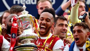 Todos los aficionados al fútbol se rieron mucho cuando a Sergio Ramos se le cayó el trofeo de la Copa del Rey mientras los merengues lo paseaban en un autobús...