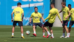 Lundi, Lionel Messi et ses partenaires ont repris l'entraînement collectif pour la première fois depuis plus de deux mois. Masques, gels désinfectants,...