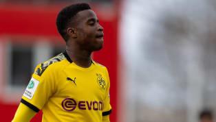 Mit gerade einmal 15 Jahren steht Youssoufa Moukoko vor seinem ersten Profi-Training beim BVB. Mit dem Start der Vorbereitung soll der Nachwuchsstürmer erste...