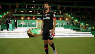 Bayer Leverkusen hat den Vertrag von Karim Bellarabi verlängert. Der Außenstürmer unterschrieb am Donnerstagnachmittag einen neuen Vertrag bei der Werkself,...