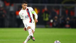 A quinta-feira (18) reservou diversas novidades em torno do nome de Thiago Silva, zagueiro de 35 anos que não permanecerá no Paris Saint-Germain para a...