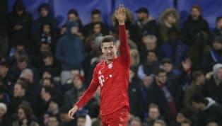 Robert Lewandowski mới đây đã chỉ ra năm trung phong đẳng cấp nhất hiện tại, trong đó có Benzema và Luis Suarez. Bản thân cũng là một trung phong xuất sắc bậc...