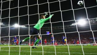 Son dakika golleri; sevinci ve yıkımı aynı oranda büyük olan gollerdir. Futbol tarihine damga vuran son dakika golleri hala akıllarda. Gelmiş geçmiş en iyi...