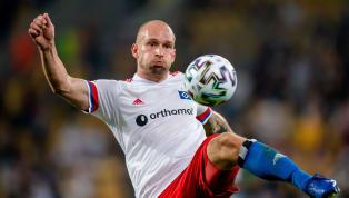 Während der Hamburger SV sang- und klanglos gegen Dynamo Dresden aus dem Pokal ausschied, sorgte Toni Leistner für großen Wirbel. Der HSV-Spieler stürmte nach...