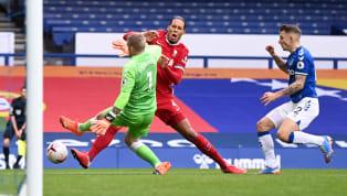Une ancienne gloire des Reds est venue au secours du gardien d'Everton pour le défendre contre les critiques après sa sortie mal maitrisée responsable de la...