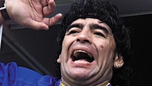Diego Maradona fue un fanático más que salió a las calles para festejar la Copa Intercontinental 2000 ganada por Boca Juniors. A 20 años de aquel suceso, el...