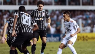 No ano de 2013, Corinthians e Santos fizeram a final do Campeonato Paulista. No primeiro jogo, o Timão venceu por 2x1, com gols de Paulinho e Paulo André pelo...