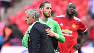 Jose Mourinho bêu rếu, khẳng định David de Gea 'may mắn' lắm mới được MU gia hạn và nhận lương khủng khi liên tục phạm sai lầm mùa này. De Gea nhận lương hơn...