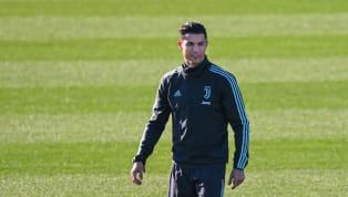 Cristiano Ronaldo est de retour sur les terrains d'entraînement de la Juventus. Après avoir subi une quatorzaine (obligatoire pour tous les joueurs de Serie A...