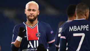 Em meio às negociações pela renovação com o Paris Saint-Germain, Neymar interagiu com os seus seguidores no Instagram na manhã desta segunda-feira (19) e...