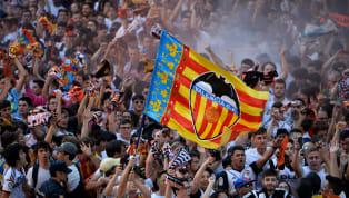Nadie olvida la bienvenida de Peter Lim a Mestalla. El valencianismo, cansado de bigotes y corruptelas, recibió al multimillonario de Singapur con clamor. Una...