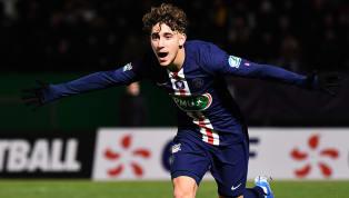 En fin de contrat avec le Paris Saint-Germain en juin, Adil Aouchiche n'a toujours pas signé de contrat professionnel avec son club formateur. Le titi...