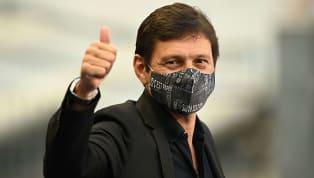 Não deu certo, mas foi uma tentativa. Leonardo, diretor esportivo do Paris Saint-Germain, confirmou que o clube francês tentou contratar Lionel Messi. Isso...