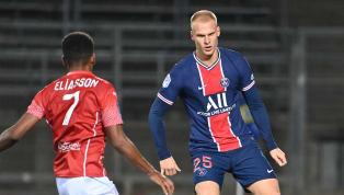 En l'absence de Juan Bernat et Layvin Kurzawa, Thomas Tuchel doit faire confiance à Mitchel Bakker. Titulaire lors du succès à Nîmes (4-0), le latéral gauche...