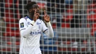Actuel meilleur buteur de Ligue 1, Boulaye Dia, l'attaquant du Stade de Reims, serait sur les tablettes de plusieurs grosses écuries anglaises. Un coup dur...