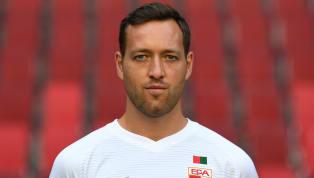 Julian Schieber wird beim FC Augsburg nicht mehr benötigt und trainiert aktuell bei der U23. Die Umstände seiner Degradierung sind für den Angreifer sehr...
