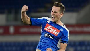La Juve serait intéressée par l'attaquant polonais du Napoli, Arkadiusz Milik. Les dirigeants de Naples ont fixé le prix de leur joueur. La Vieille Dame...