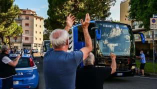 Poco prima della partenza dell'Atalanta direzione Torino, l'allenatore della Dea, Gian Piero Gasperini, ha trovato sulla sua strada un tifoso napoletano che,...