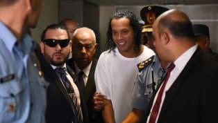 Ronaldinho Gaúcho e seu irmão Assis seguem pesos em regime domiciliar no Paraguai, após a Quarta Câmara do Tribunal de Recursos negar o pedido de liberdade...